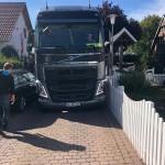 LKW steckt im Birkenfeld fest